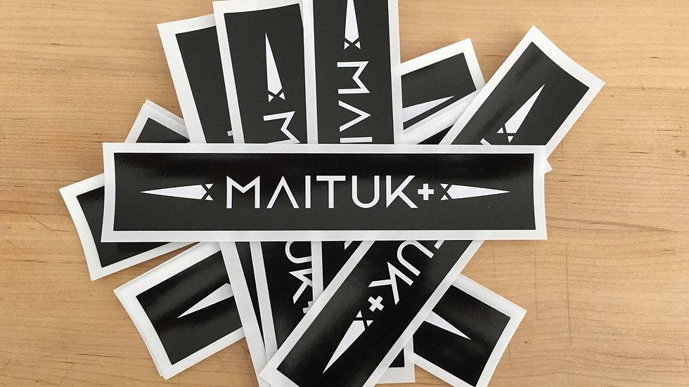 Autocollant Maituk blanc sur noir