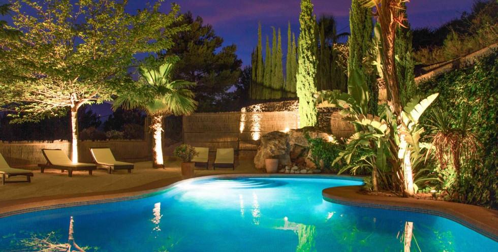 pool-swimming--scaled-1920x1080_edited.j