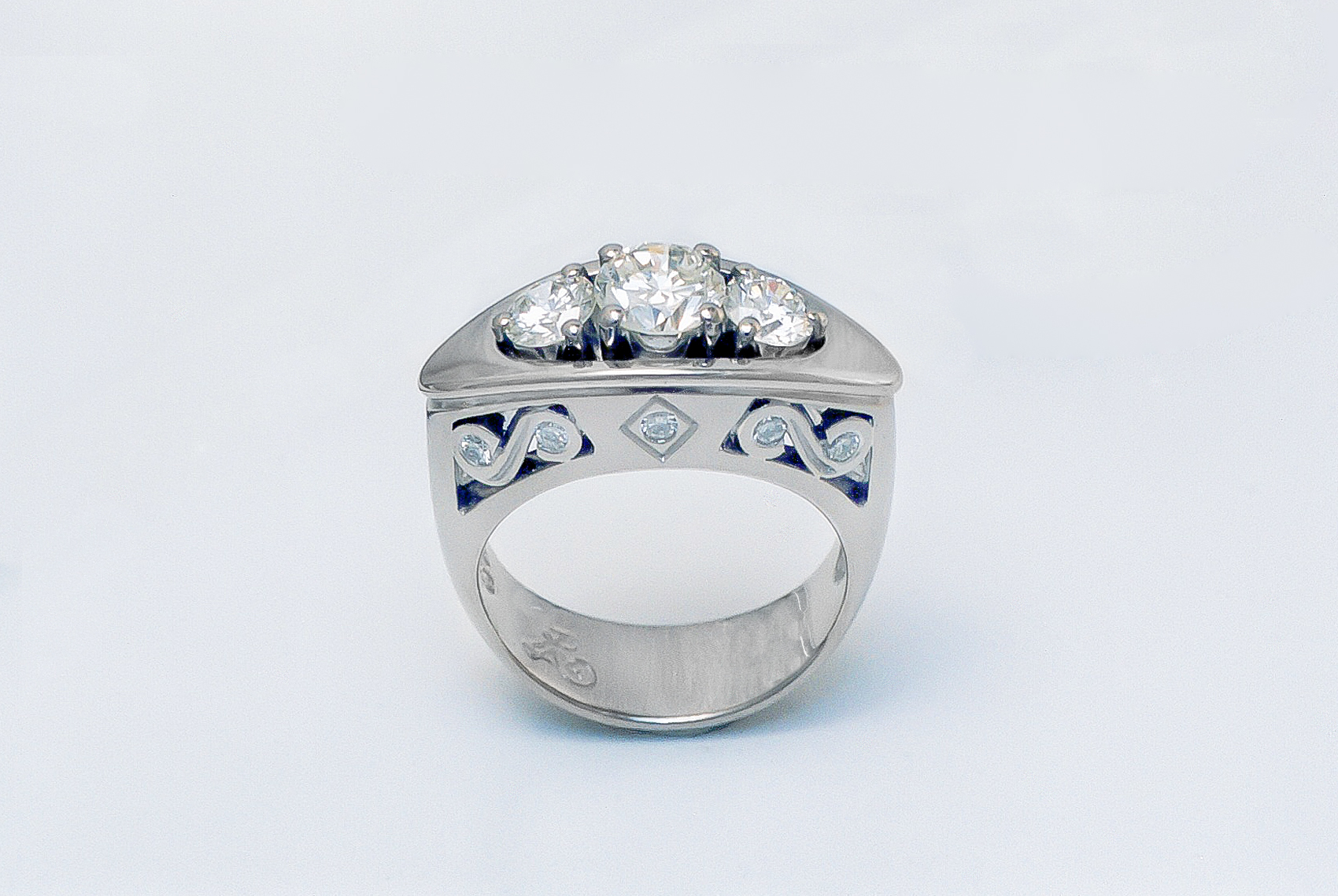 Decorative 3 Stone Diamond Ring