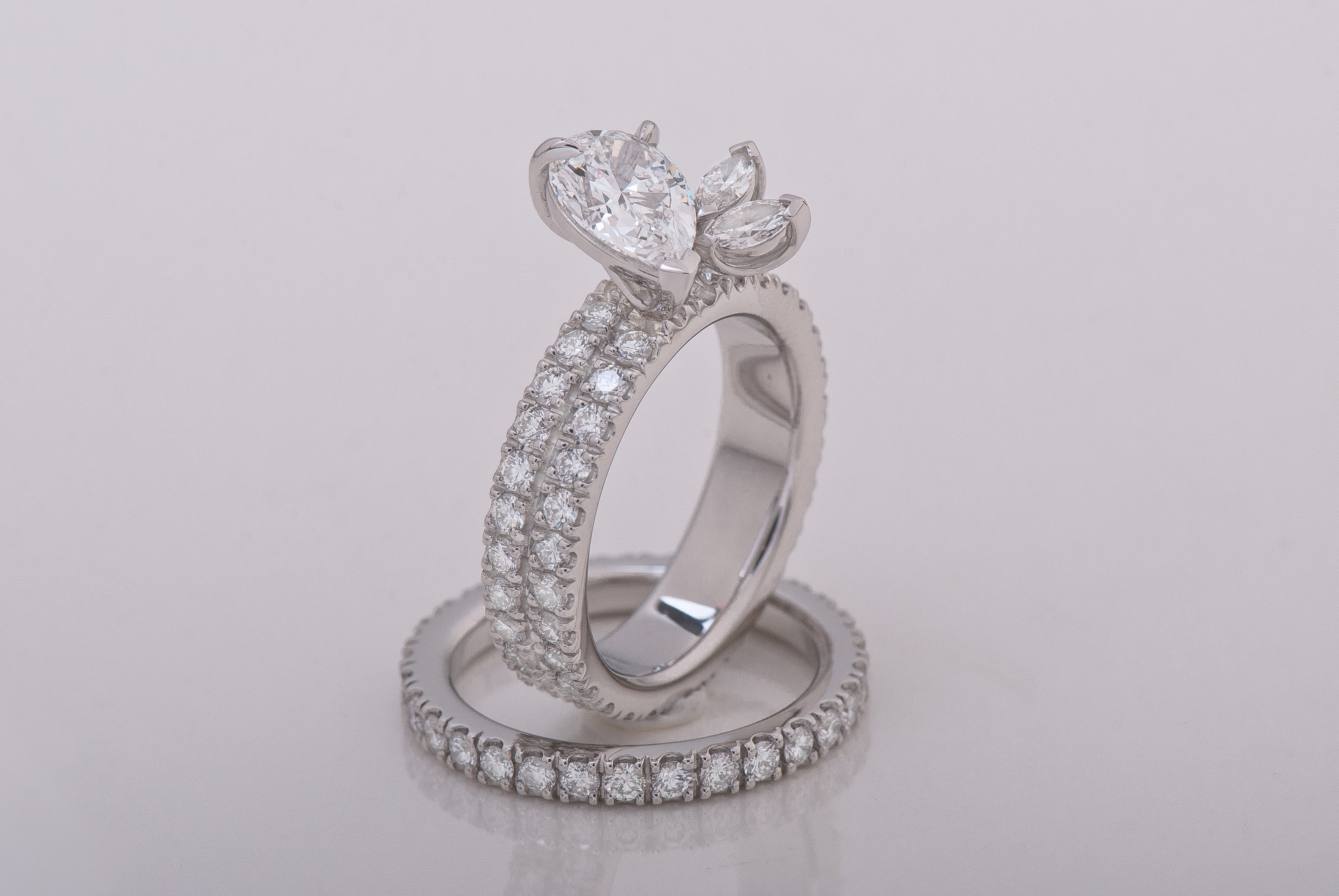 Dancing Diamond Wedding Set
