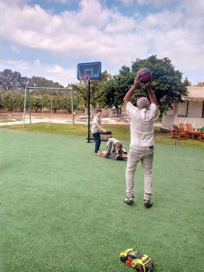 מגרש כדור-סל, מרחב רב-דורי
