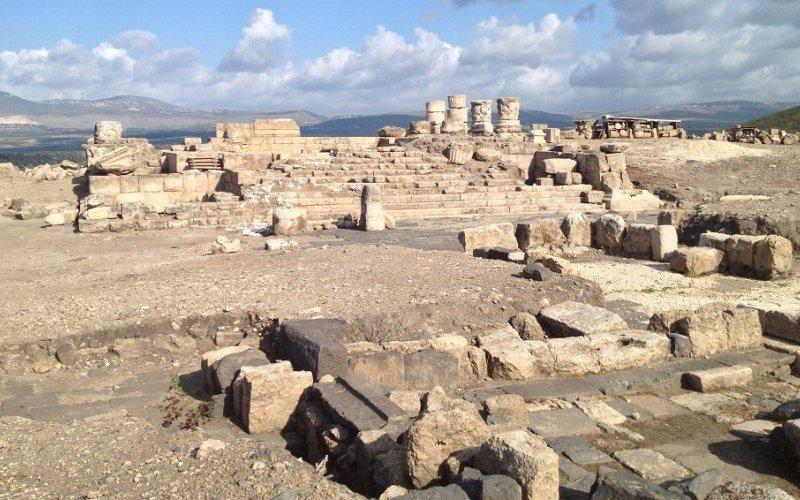 Tel Omrit