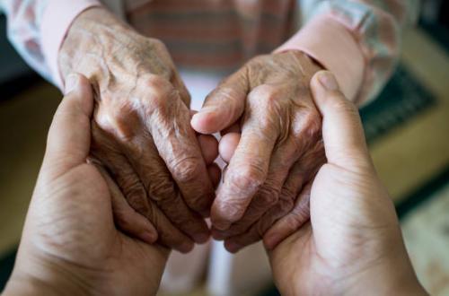 L'isolement, une cause d'anxiété majeure chez nos aînés !