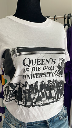Queens is the ONLY University | T-Shirt - XS/S | Shop Vintage