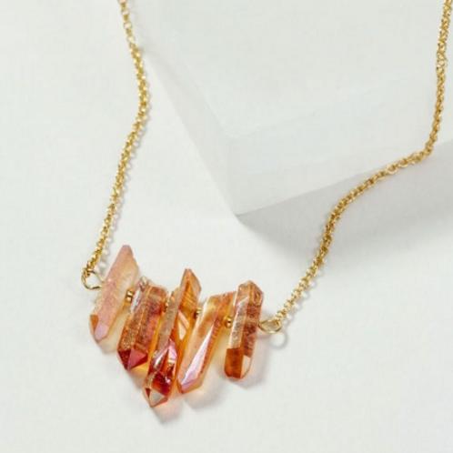 Rainy Day Quartz necklace (peach)