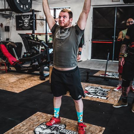 Preparare atleti esperti o allenare neofiti?