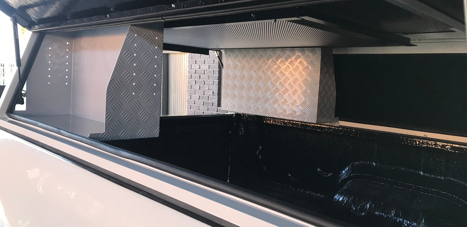 Kitchen Unit - GZ Aluminium Canopies 2