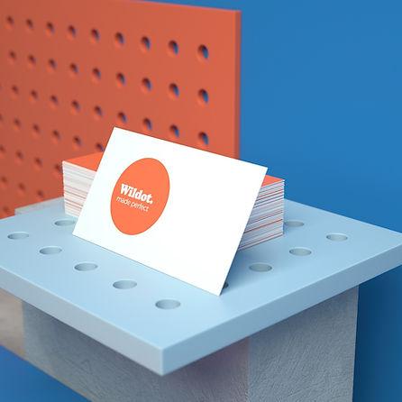 ロゴを使用したビジネス用の名刺作成