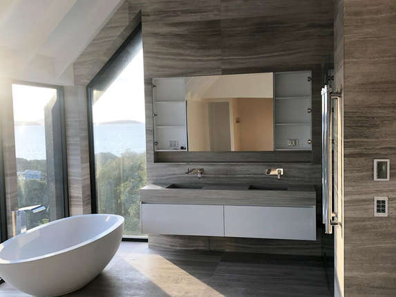 albany bathroom.jpg