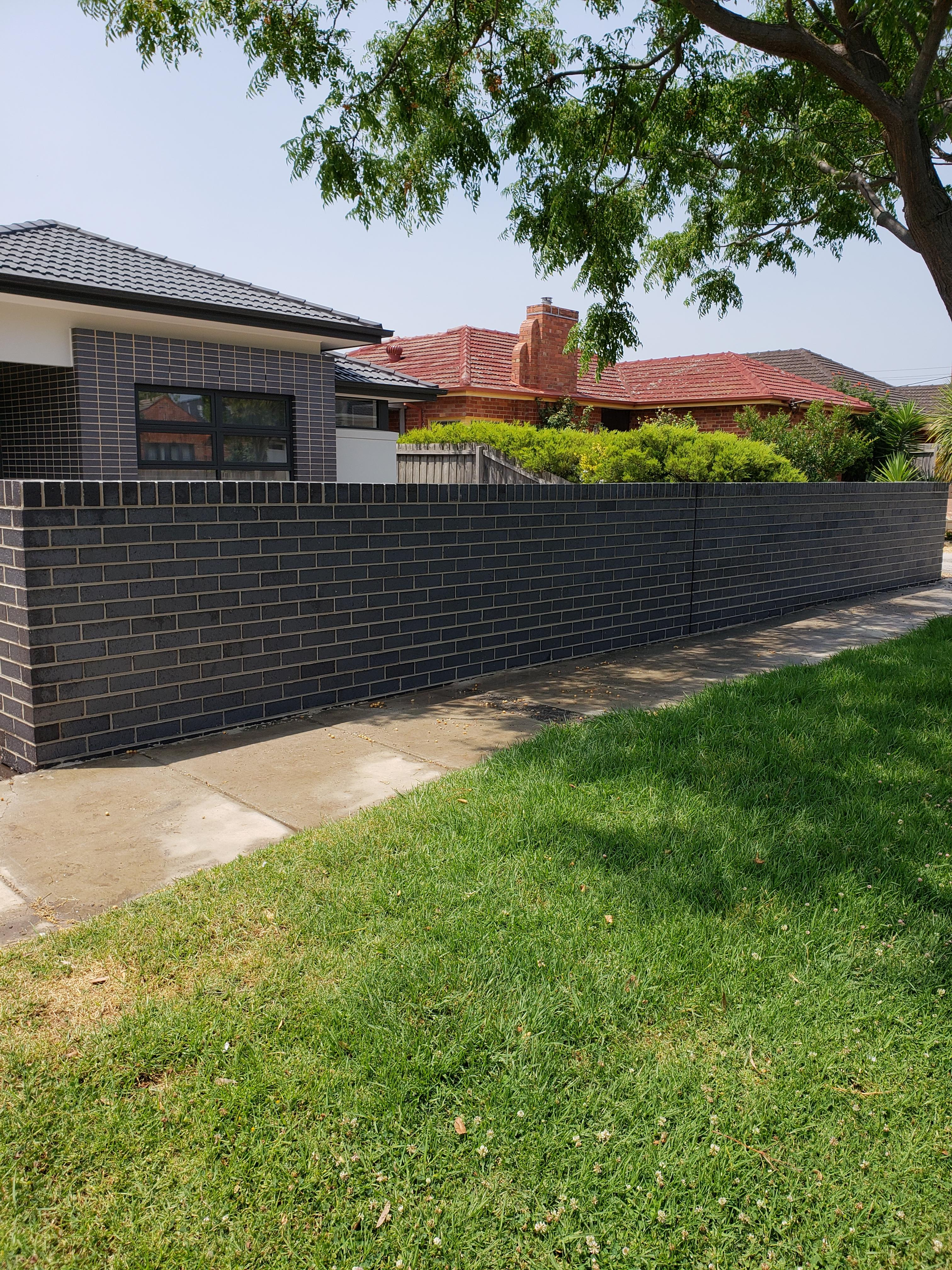 brick fence2