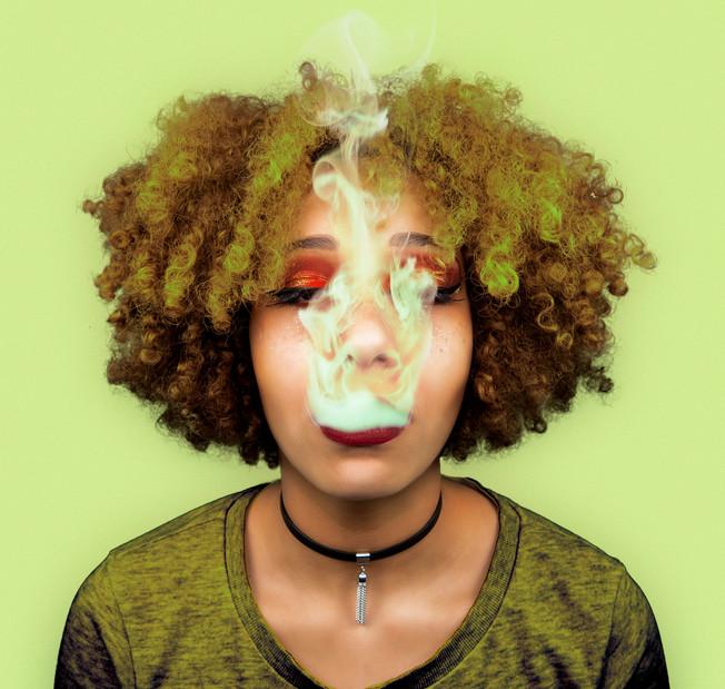 Ambre-_fumée_retouche.jpg