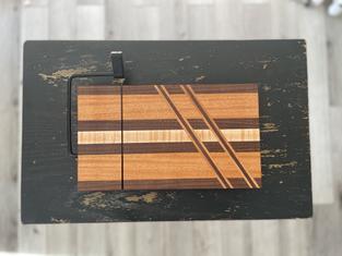 Cross-Cut Cheese-Slicer Board