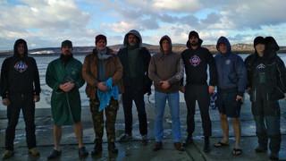 Vízkereszt ünnepén vármegyések mártóztak a jeges Velencei-tóban