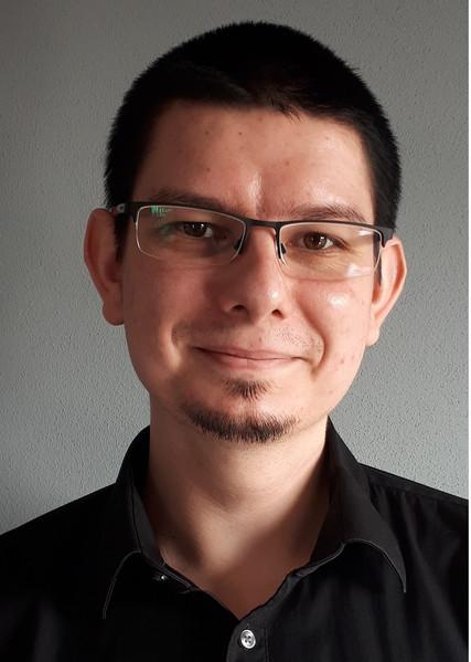 dr Kamil Jurowski