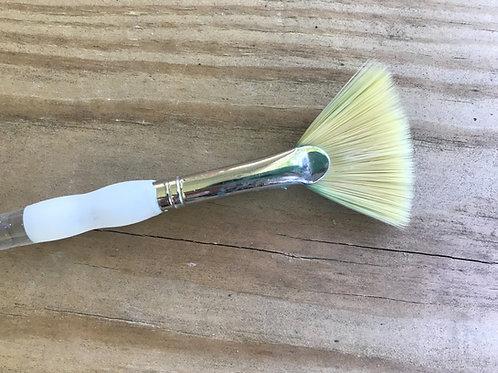 Studio Fan Brush
