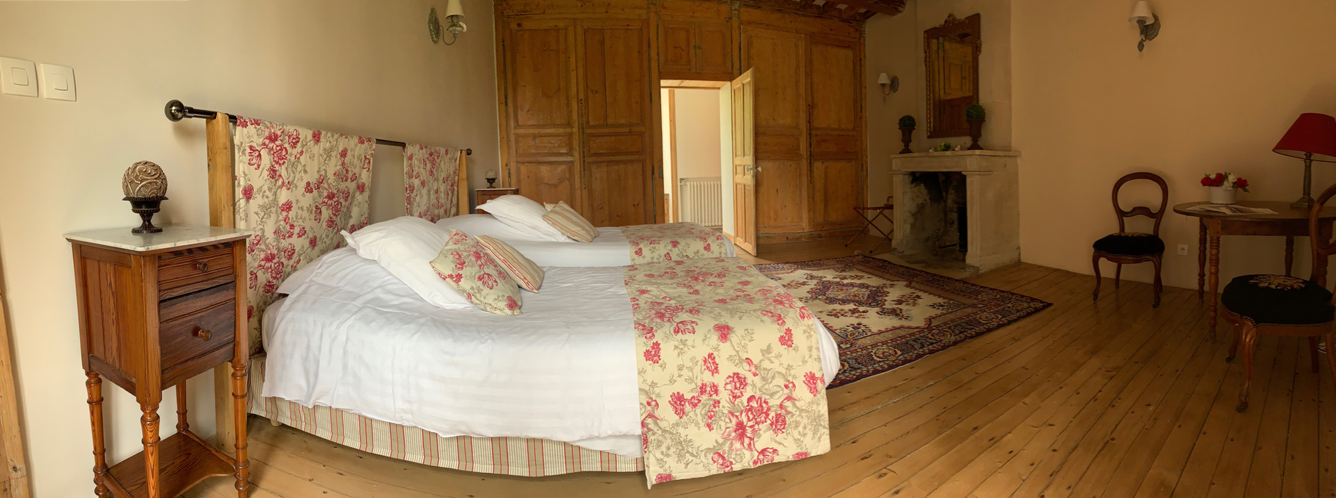 Castellier room