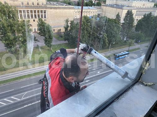 Герметизация алюминиевых окон фасадного остекления жилого дома