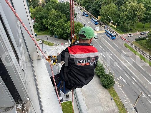 Устранение протечек альпинистами