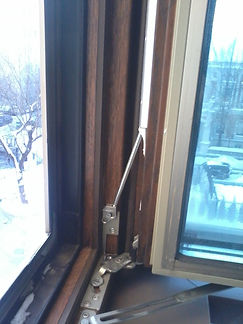 ОкнаРем. Замена уплотнителя в дерево-алюминиевых окнах
