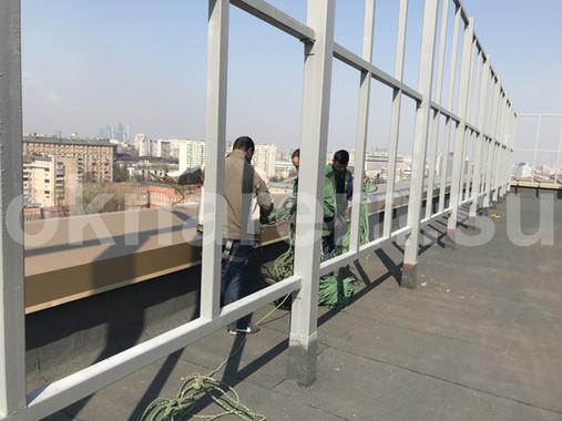 Крепление опорных канатов на крыше БЦ Данилов Плаза