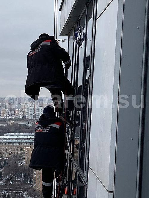 Замена стеклопакетов в фасадном остеклении жилого дома