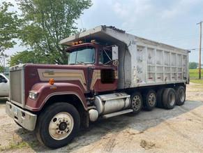 7-110-1-1988-mack-rw713-quad-axle-dump-truck.jpg