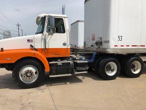 comaglia-truck-orange-whitejpg