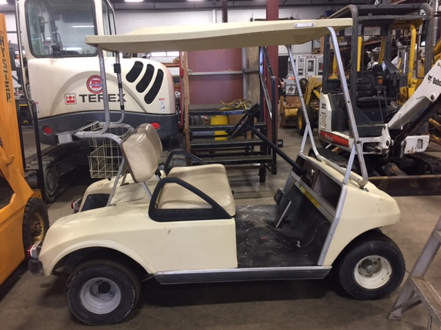 Club Car Golfcart. Gas, 2 seater. Fo