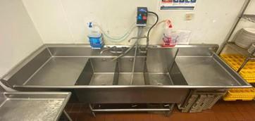 140-1-three-basin-stainless-steel-sink.jpg