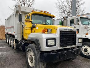 159h-1-1996-mack-rd688s-dump-truckjpg