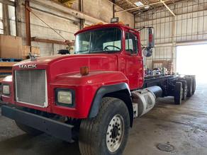 80-11999-mack-rd690s-20ft-quad-axle-cab