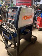 105-1-hobart-handler-140-115v-wire-feed-welder-on-cart.jpg