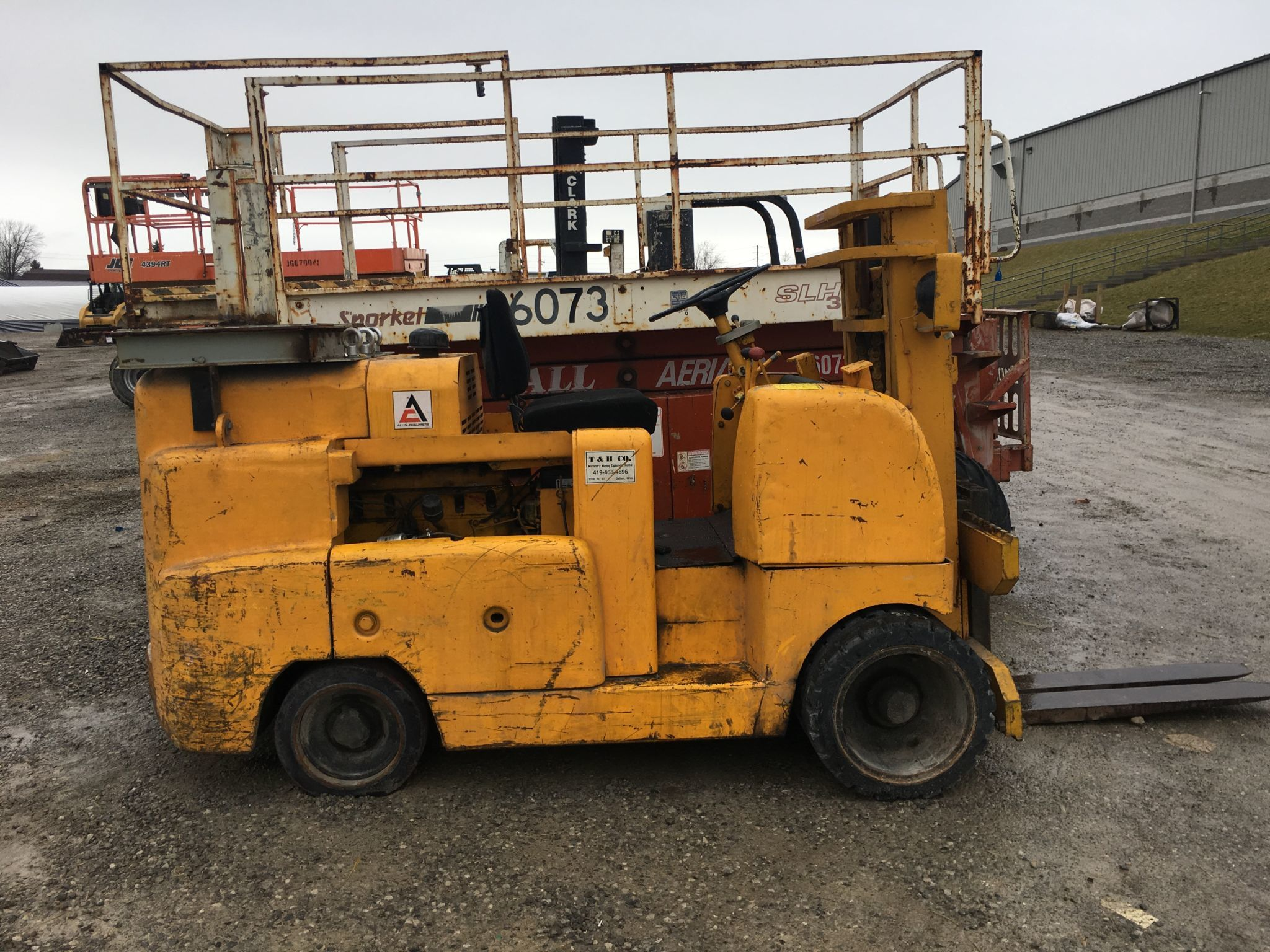 Allis Chalmers 12,000 lb riggers for