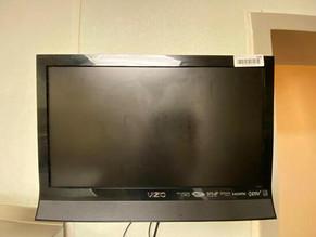 204-1-vizio-flat-screen.jpg