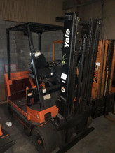 7-1yale-electric-dual-mast-forklift-mode