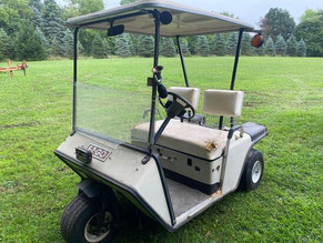 105-1-ez-go-electric-golf-cart-w_-charger.jpg