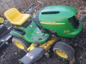 129-1-john-deere-l130-riding-lawn-mower