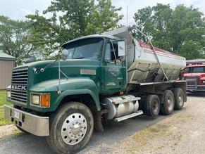 10-112-1-pucket-bros-3-4-ton-gasoline-vibratory-asphalt-roller-honda-20hp.jpg