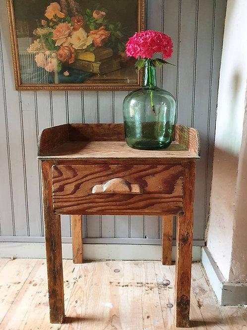 Petite table tiroir