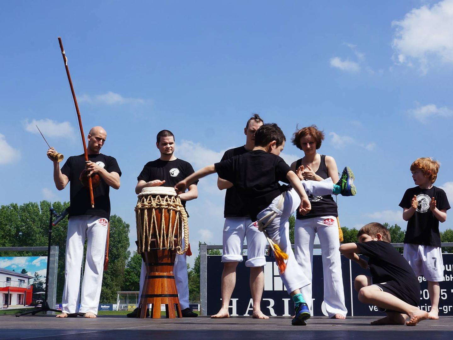 Kinder - Capoeira Spiel