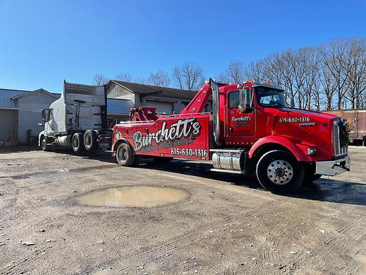 semi tow truck.jpg