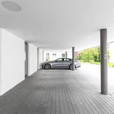Parkplätze unmittelbar vor dem Haus