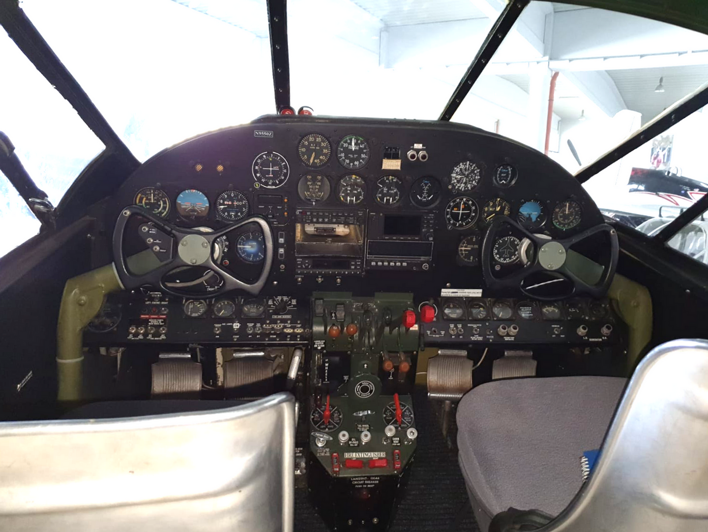 N9550Z cabin