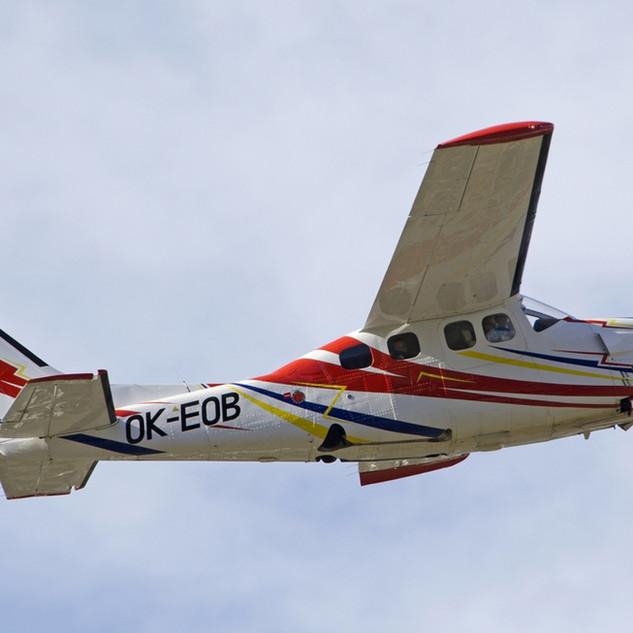 Cessna T210N
