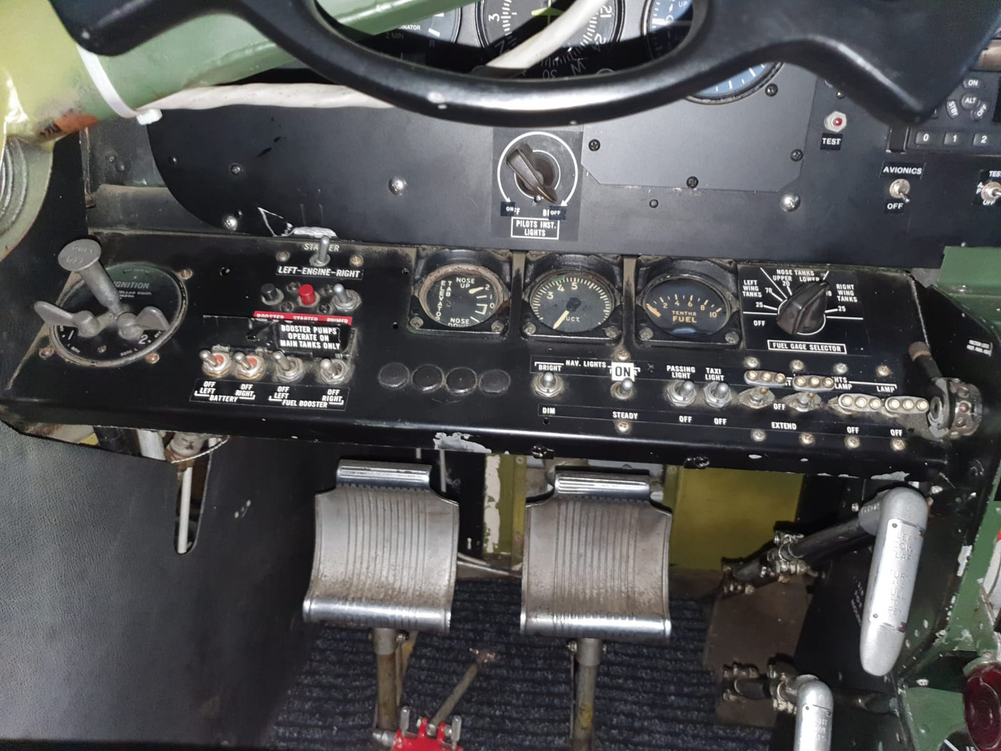 LH lower part of instrument panel