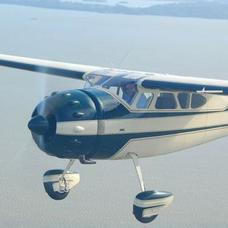 Cessna 195 N3010B