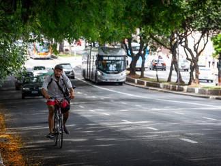 Ciclistas reclamam da falta de aviso para obras no centro de SP