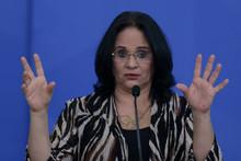 Damares exonera secretária de Igualdade Racial, mulher de youtuber bolsonarista