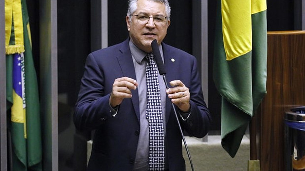 Ex-ministro da Saúde, Padilha pede investigação sobre queda histórica de vacinação