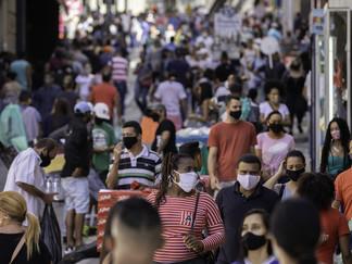 Governo de SP anuncia multa de R$ 500 para pessoas que ficam sem máscaras em áreas públicas a partir
